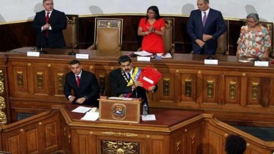 presidente_nicolxs_maduro_en_la_asamblea_nacional_constituyente_-_avn.jpg_1718483347
