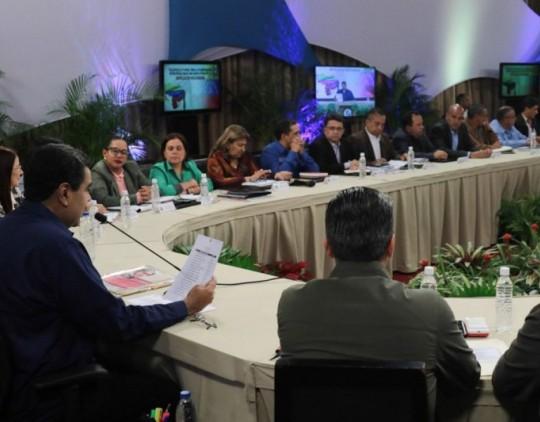 Nicolás-Maduro-gobernadores-e1508861535974-540x422