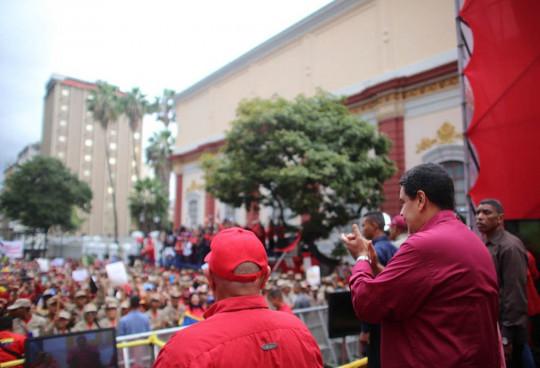 Maduro-desde-la-marcha