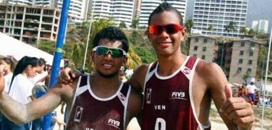 """Representantes de Venezuela en el torneo, José """"Tigrito"""" Gómez y Rolando """"Peter"""" Hernández."""